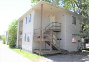 202 W Union Street APT 3 Athens, Ohio, 2 Bedrooms Bedrooms, ,1 BathroomBathrooms,Apartment,For Rent,W Union,1015