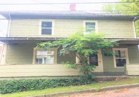 21 Smith Street Athens, Ohio, 3 Bedrooms Bedrooms, ,2 BathroomsBathrooms,Apartment,For Rent,Smith,1090